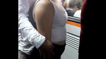 nalguitas de putiprincesa en el metro rico booty.