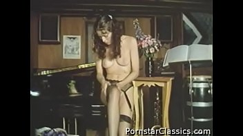 classical porno starlet annette haven-2