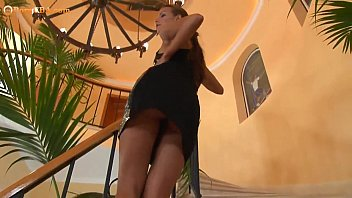 nubile beaute frigging her pinky snatch