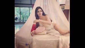 sherlyn chopra on instagrammp4