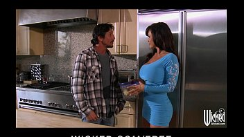 lisa ann gives a lunch and snatch at landscaping