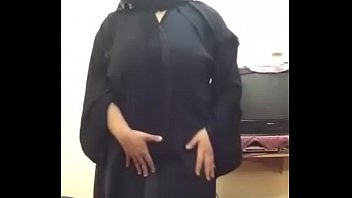 Arab Hijab BBW Lady doing Cam Show For her Lover - Part 01