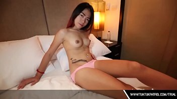 Asian Thai Hooker Sucks Dick
