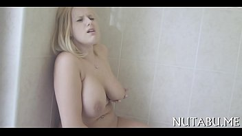 damn cool nubile in a solo.