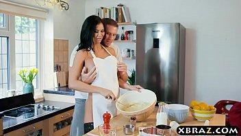 cooking cougar jasmine jae bakes a cake while.