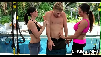 Milf gives deepthroat orall-service
