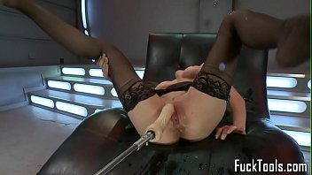 Squirting milf toying her pussy passionately