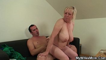 ginormous-titted wifes mommy luvs deep throating and railing.