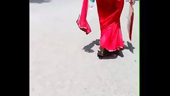crimson saree aunty street walk - supah-hot bulky.