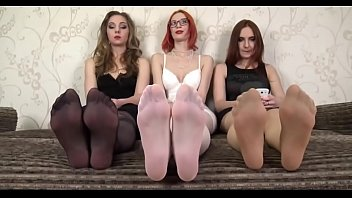 close up feet - three dolls demonstrating feet.