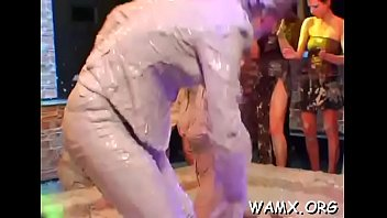 Top lesbo getting all messy in amateurs catfight clip