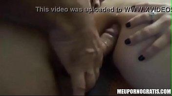 corno filmando amante fudendo o cuzinho da esposa rabuda