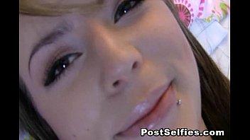 Sexy Kourtney Scarlett Loves Pussy Toying On Cam