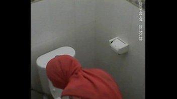 tudung hijab toilet