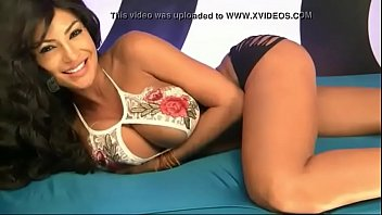 crazy latina taunting on cam