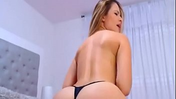 pretty honey with ideal plump bum