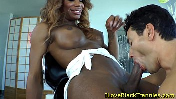 ebony t-model hottie gets a blow-job from milky fellow