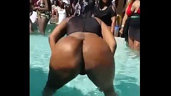 large ass dirty dancing jiggling dancing