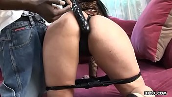 lex is pummeling this girl039_s raw beaver and.