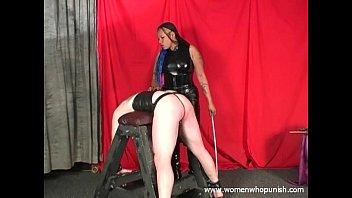 black dominatrix mina lashing milky sub