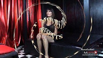 Nina 27j. beim BDSM Sklaven-Casting - Nina27 TR01