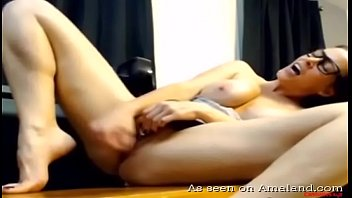 MILF squirts all over the place
