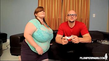 plumper gamer lexxxi luxe gets her vag and.