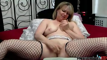 Mature cougar takes multiple squirting orgasm