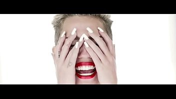 miley cyrus in wrecking ball 2013