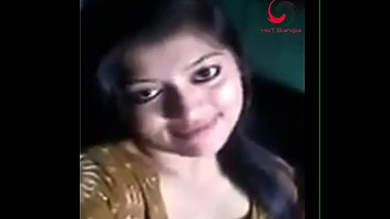 wwwdesichotitk introduces bangladeshi dame sexposing clevage on flick.