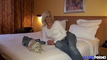 cougar supah-sexy veut se faire deacute_monter.