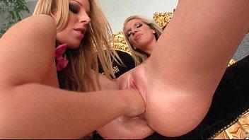 excellent blondie lezzie gets jummy pinkish cootchie knuckle plumbed