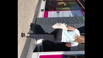 puta with transparant legging