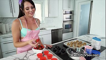 baking hotty gf humped in kitchen