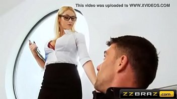 fabulous silver-blonde realtor dual invasion during the open mansion