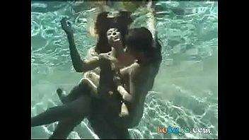 fuckfest underwater three some