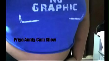 desi priya aunty nude web cam.