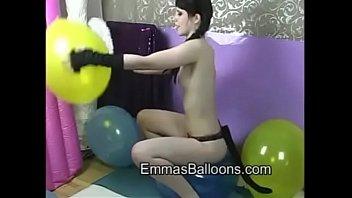 kitty emmas balloons