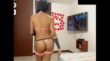 supah-hot woman latina glorious dance