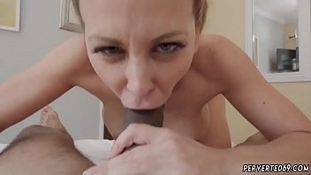 Big ass blonde mom Cherie Deville in Impregnated By My Stepchum&#039_s son