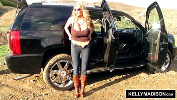 kelly madison - finger-screwing outdoors