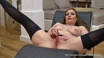 femorg cougar with thick naturals solo getting off.