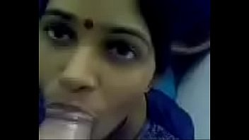 sizzling aunty providing dt in douche
