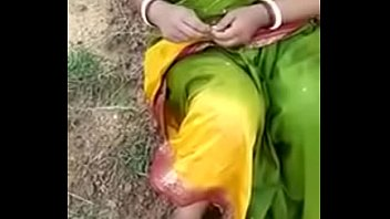 village aunty fellatio nail with paramour in open.