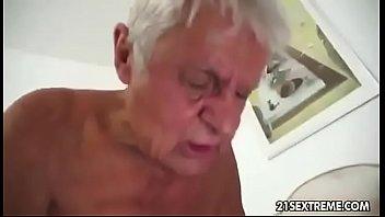 abuelo follando a jovencita