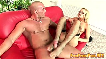 high high-heeled boots lengthy blondie on.