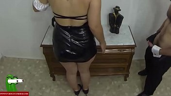 la mujer de la limpieza quiere que le.