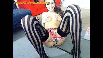 Shy Teen Shows Her Beautiful Ass On Webcam