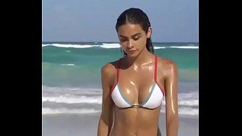 scorching supah-sexy sweat-soaked chick on beach