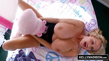 kelly madison - hooters in bedland